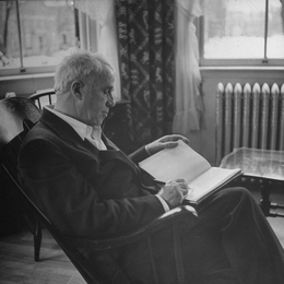 naturalism in robert frost poems 1 he was the first poet to address a us presidential inauguration john f kennedy had a personal relationship with robert frost and the poet had helped create momentum to elect kennedy during his campaign.