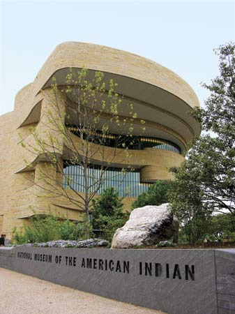 The National Museum of the American Indian opened in 2004 in the U.S. capital of Washington, D.C. The museum teaches visitors about the culture and history of Native Americans.