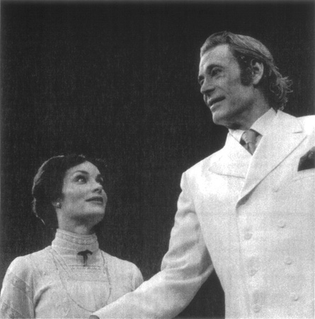 Peter OToole in a scene from a Haymarket Theatre production of Shaws play