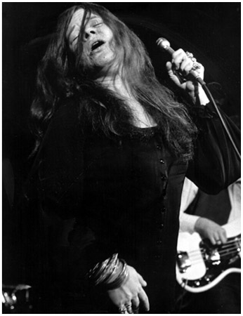 Janis Joplins raw, soulful performances blended blues, RB, and rock styles in a way that was unique among women singers in the late 1960s.