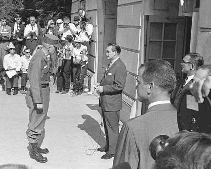 Alabama governor George Wallace attempted to block the entrance of blacks at the University of Alabama.