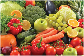 Fresh fruits and vegetables are examples of whole foods.