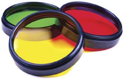 Yellow, green, and red filters for an SLR camera lens can improve various colours and reduce reflections in challenging lighting conditions