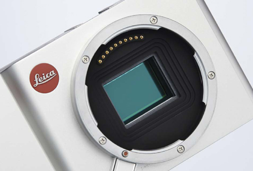 The 16.5-million-pixel CMOS APS-C sensor converts the light in this Leica T compact digital camera into a digital image.