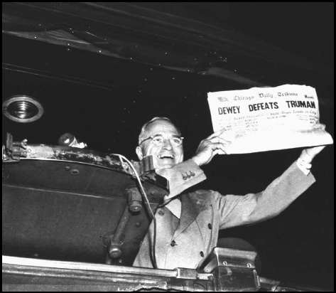 Primary Source: Dewey Defeats Truman SYNOPSIS: The editors of the Chicago Daily Tribune believed, like many others in the media, that Republican presidential candidate Thomas E. Dewey would win the election of 1948. They printed an edition of t
