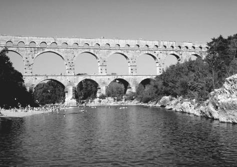 Pont du Gard, an aqueduct at Nimes, France, built before the fifth century C.E. It was the highest bridge structure in the Roman world. NATIONAL AUDUBON SOCIETY COLLECTION/PHOTO RESEARCHERS, INC. REPRODUCED BY PERMISSION.