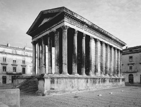 The Maison Carrée in Nîmes, France. ARCHIVO ICONOGRAFICO, S.A./CORBIS.
