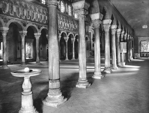 Lateral view of the colonnaded nave of the Church of S. Apollinare Nuovo with its mosaics, procession of female saints bearing offerings visible along left side, Ravenna, Italy, c. 504 C.E. ALINARI-ART REFERENCE/ART RESOURCE, NY. REPRODUCED BY PERMISSION.