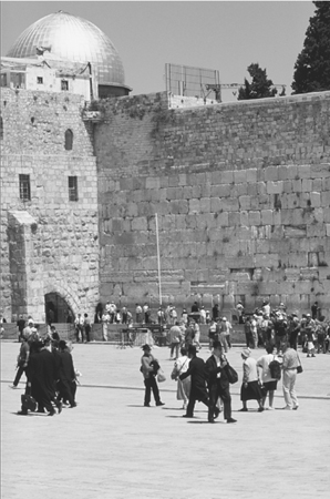 A modern view of Jerusalem including the Western Wall, a site holy to Jews as the last remaining wall of the Second Temple, and the Dome of the Rock, a site holy to Muslims as part of the Al-Aqsa Mosque complex. (Corel)