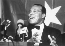 "Louis Farrakhan. The fiery head of the new Nation of Islam and chief organizer of the 1995 ""Million Man March."" AP/WIDE WORLD PHOTOS"