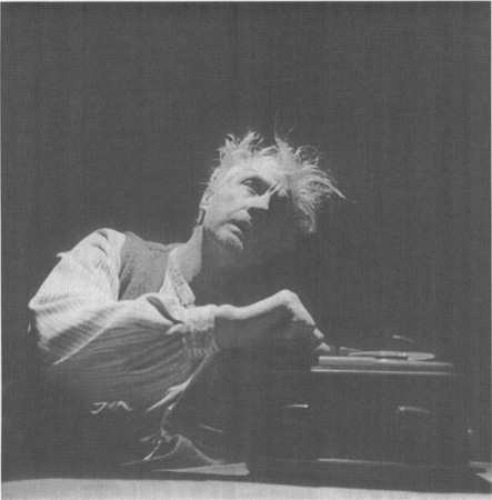 Edward Petheridge as Becketts titular character in a 1999 production at the Royal Shakespeare Company Theatre