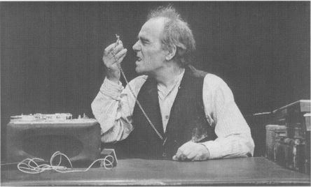 Max Wall as Krapp in a 1975 production staged at Londons Greenwich Theatre