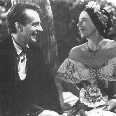 Raymond Massey (as Abraham Lincoln) and Ruth Gordon (as Mary Todd Lincoln) in a scene from the film adaptation of Abe Lincoln in Illinois.