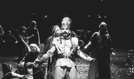 Claire Benedict and Antony Sher in a Royal Shakespeare Company production of Tamburlaine the Great
