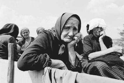 Yugoslavian refugees fleeing civil war