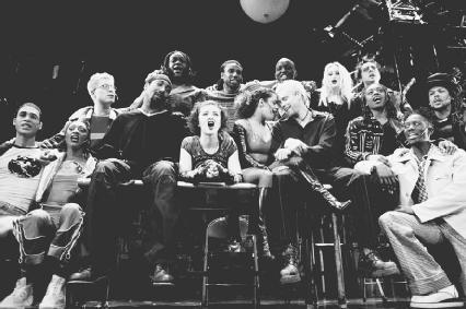 Full-cast shot from Rent