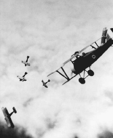 British and German airplanes engage in combat over France during World War I. © BETTMANN/CORBIS