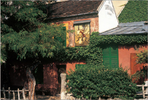 The deceptively rustic exterior of Au Lapin Agile