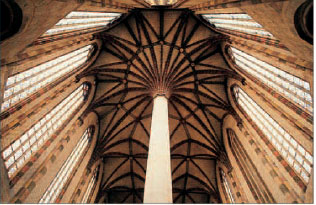 Palm vaulting in the apse of Les Jacobins, Toulouse