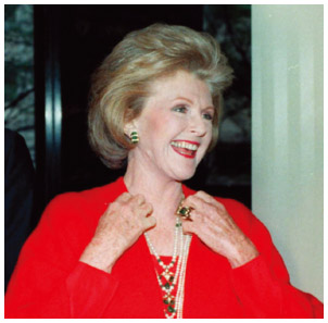 English American Pamela Harriman was a very influential supporter for the Democratic Party in the 1980s.