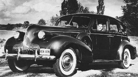 Americans continued to drive their cars even at the height of the Depression. From 1930 to 1937, three million more cars were added to the road. (Courtesy of American Automobile Association. Used with permission.)