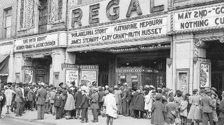 Going to the movies became a way of life for most Americans during the Great Depression. Close to 100 million people per week visited the movies by 19291930. (The Library of Congress.)