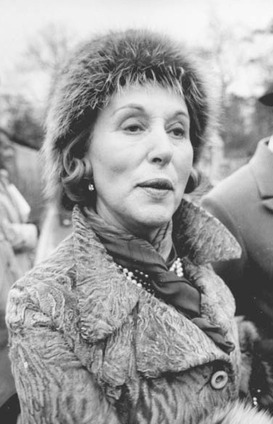 Estee Lauder became one of Americas richest women selling face cream and cosmetics to female consumers eager to combat aging and enhance their appearance.