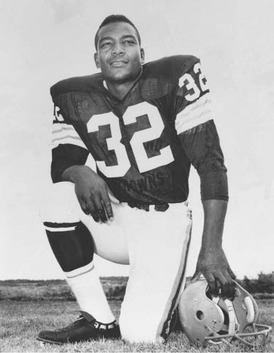 As running back for the NFL Cleveland Browns, Jim Brown was known as the great-est professional football player ever. Yet at 29 he left the game for a career in the movies.