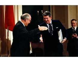 Reagan and Gorbachev Sign Arms Accord