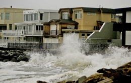 Seaside Homes Hammered by the Surf as Sea Level Rises