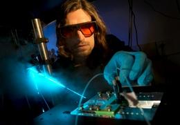 Stephen Jones Shows CHAMP, a Device for the Gene Editing Technique CRISPR